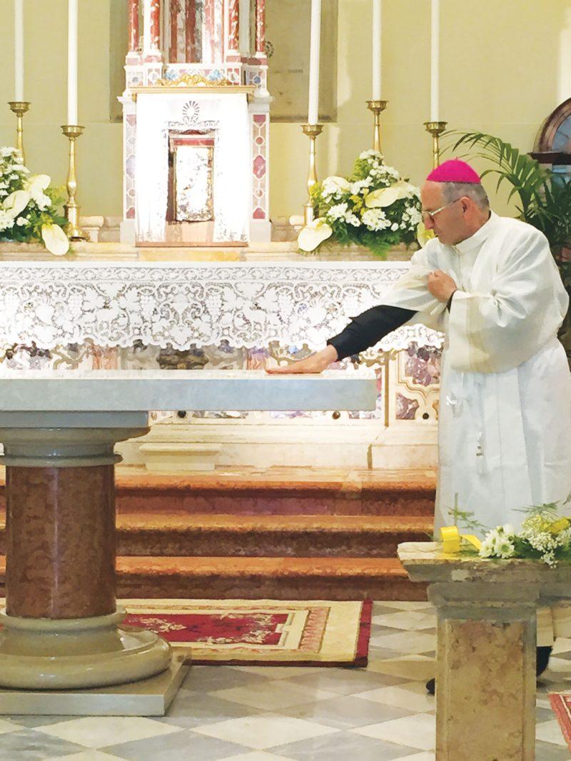 Benedizione-altare-S-Antonio
