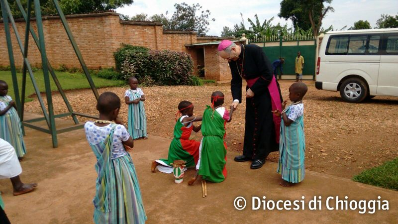 vescovo-burundi-3