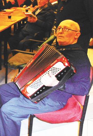 don-dino-alla-fisarmonica