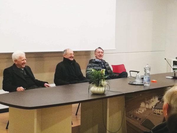 Vescovo-a-Nuova-Cooperativa-San-Pietro