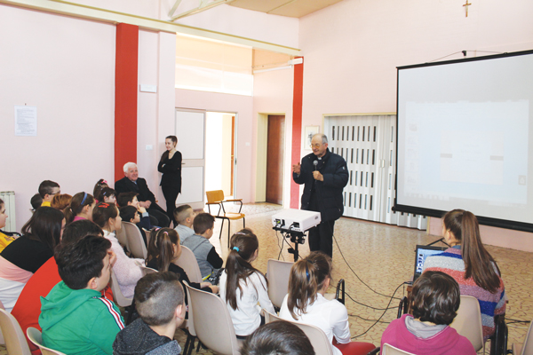 Visita-Pastorale-San-Pietro-e-Dolfina-catechismo