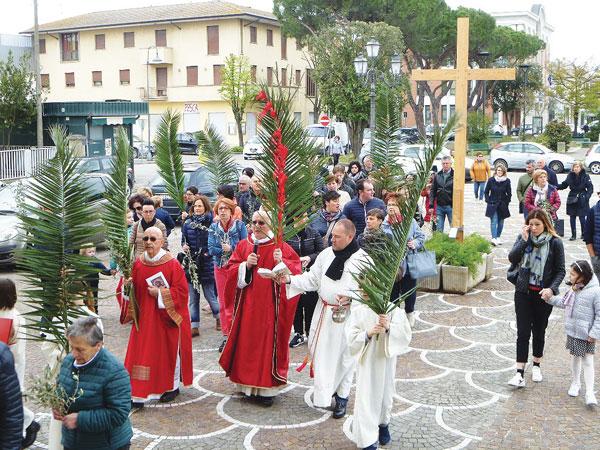 TAGLIO-DI-PO-La-processione