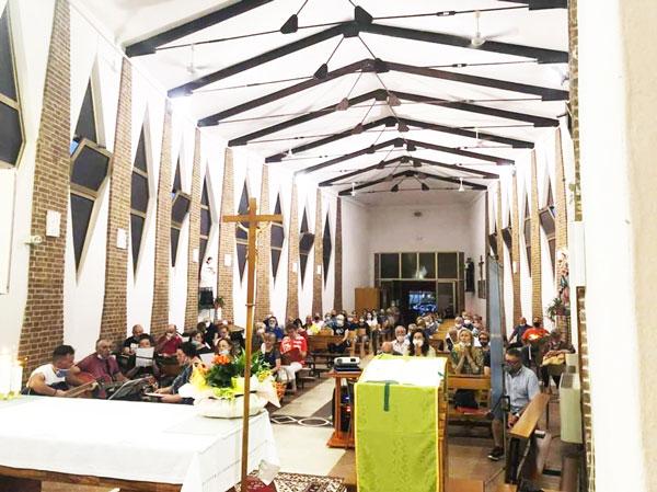 Messa con il vescovo per ricordare i molti giovani che ci hanno già preceduto in cielo